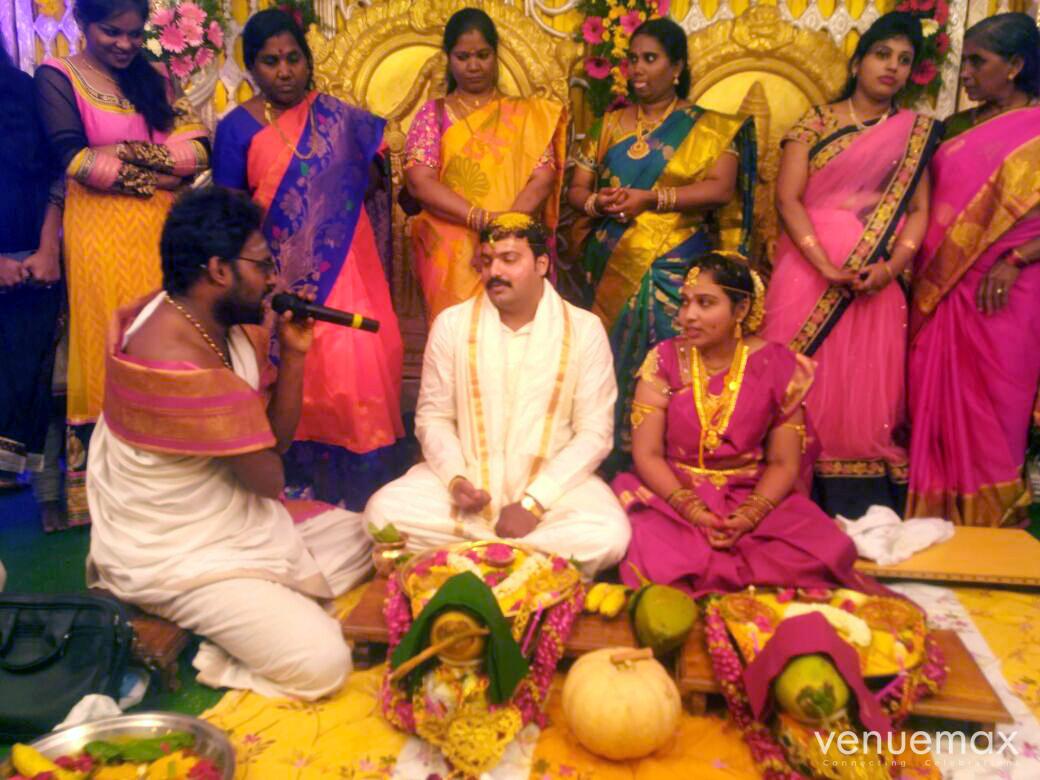 Smartha Pandit and Vedic Astrologer
